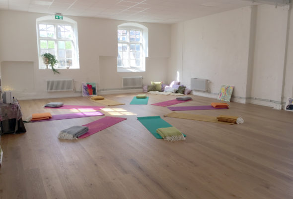 Vildmarksyoga & Måleri :: Retreat i Brevens Bruk 21-23 september